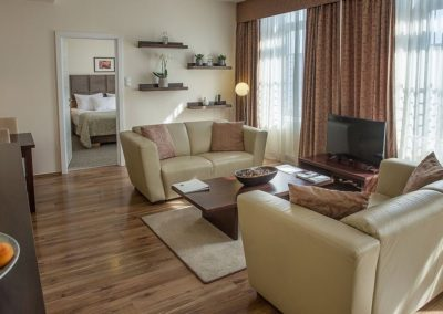 Mamaison Residence Izabella Budapest_Presidential Suite living room_1360x680